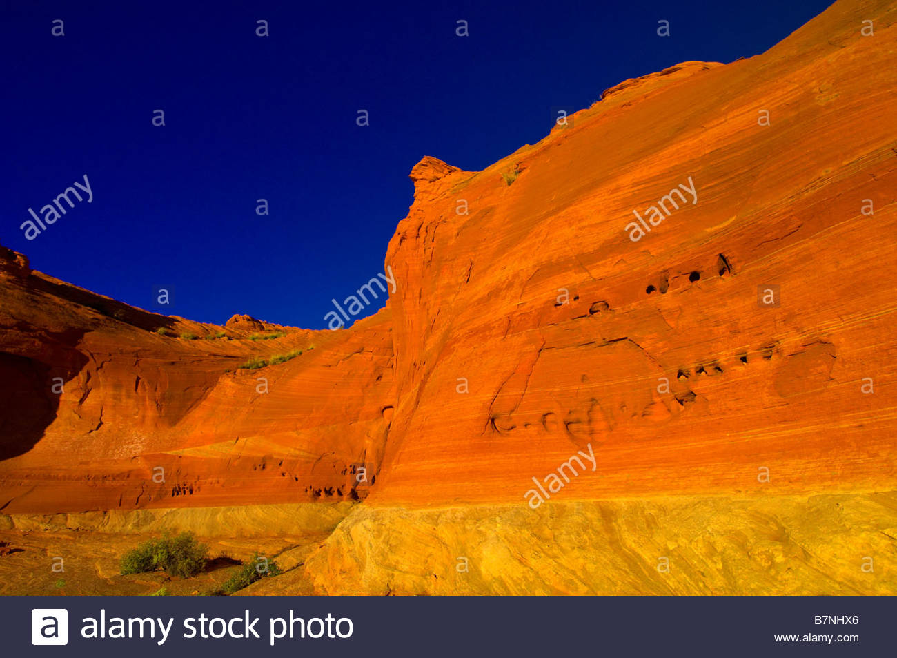 Les trous de l'eau formations Rock Canyon Navajo Nation près de Page en Arizona USA Photo Stock