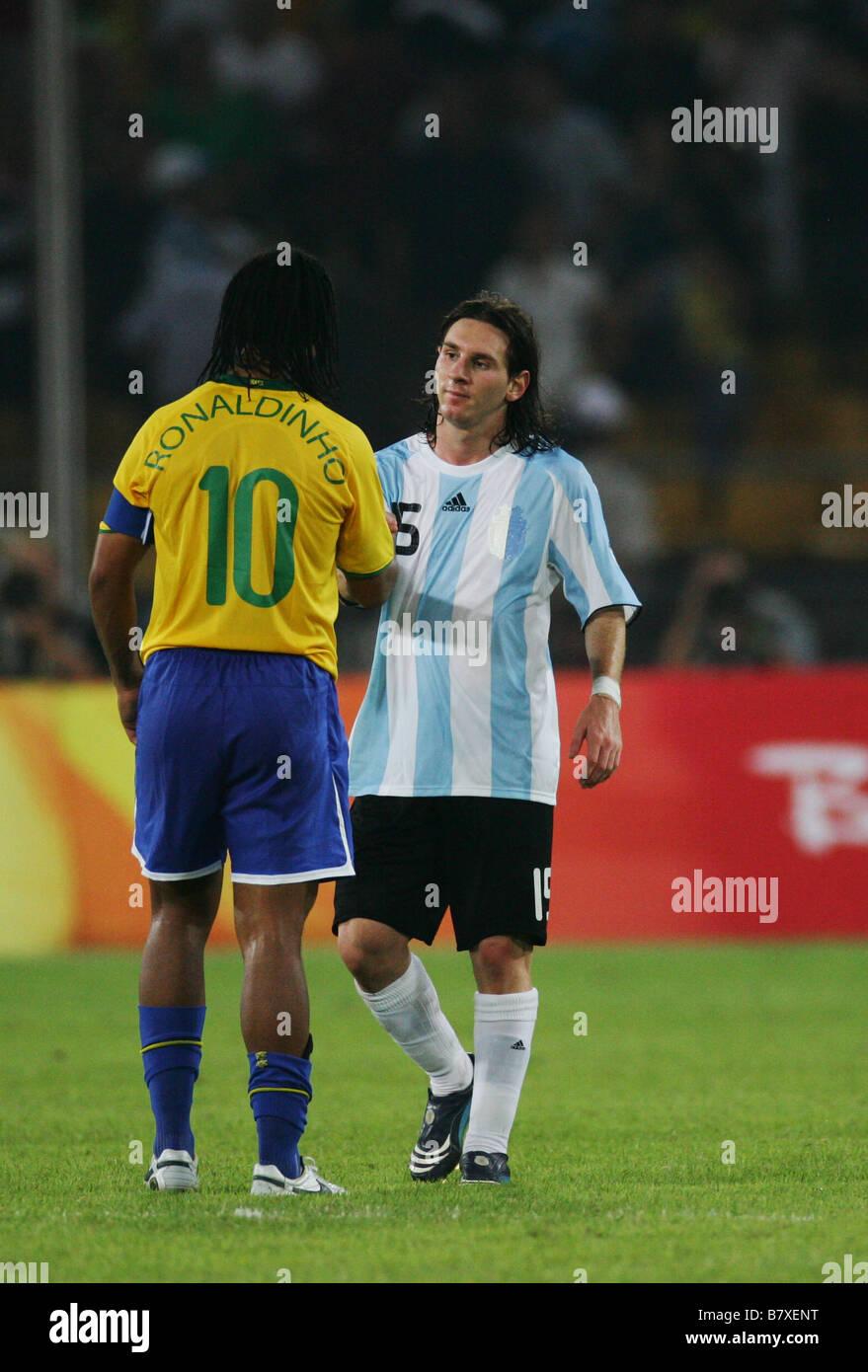 Soutien-gorge Ronaldinho Lionel Messi ARG 19 AOÛT 2008 Jeux Olympiques de Beijing  2008 Football Football match de demi-finale hommes entre l Argentine et le  ... 63fe1a8ef790