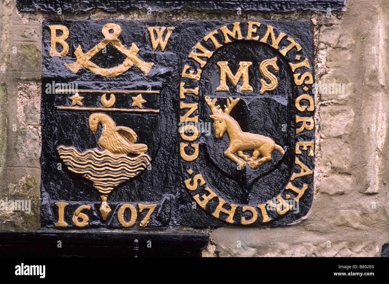 Fife Falkland daté 1607 sur la plaque de porte chambre mariage inscription linteau Ecosse UK Photo Stock