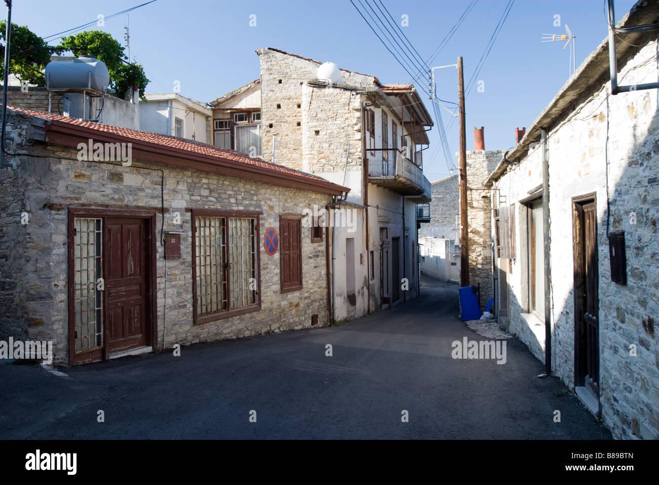 De petites routes intersection à Lefkara, sud de Chypre Banque D'Images