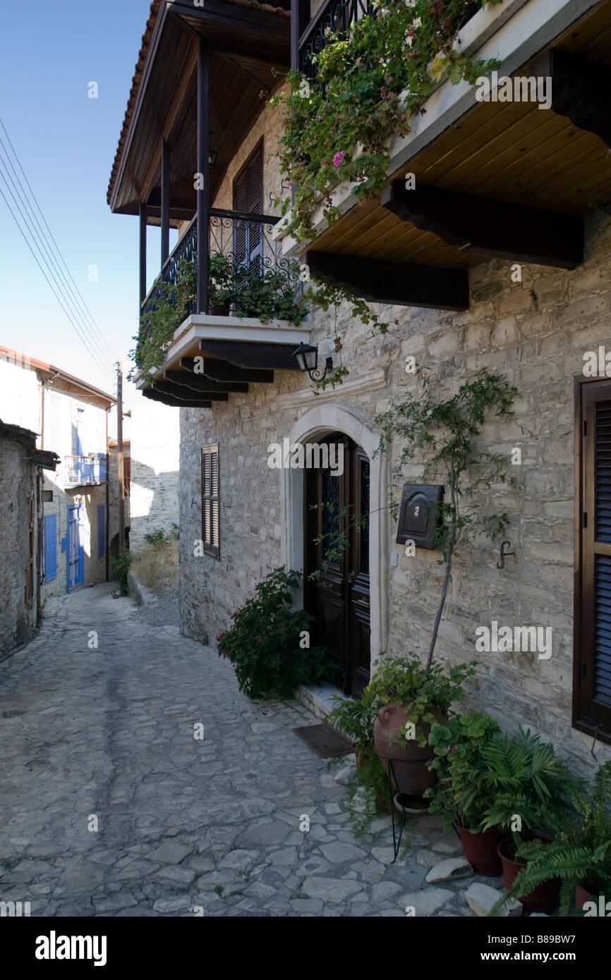 Chambre avec balcon en bois à Lefkara, sud de Chypre Banque D'Images