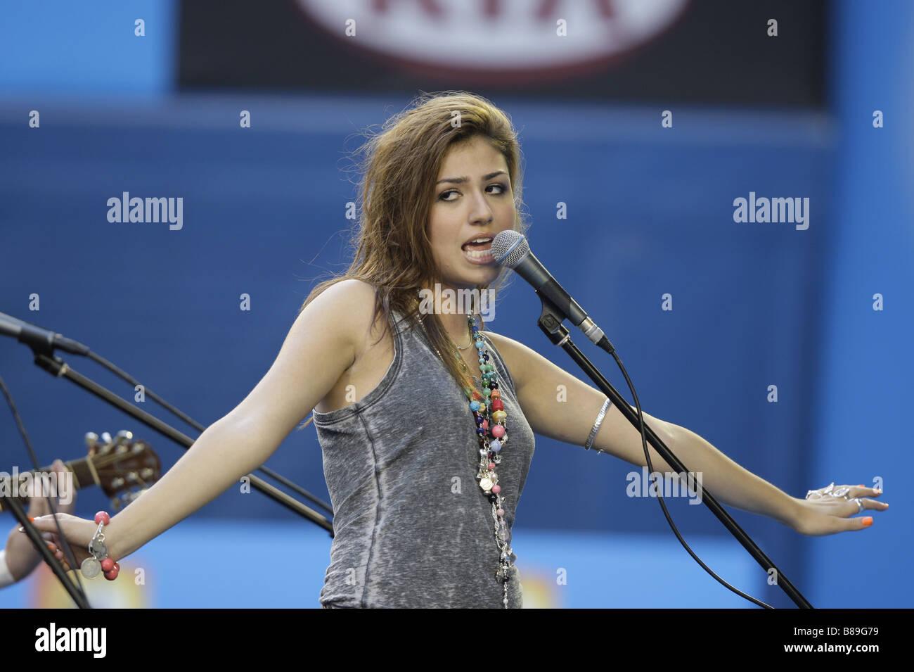Gabriella Cilmi Singer l'exécution finale à l'Open d'Australie à Melbourne, Australie Banque D'Images
