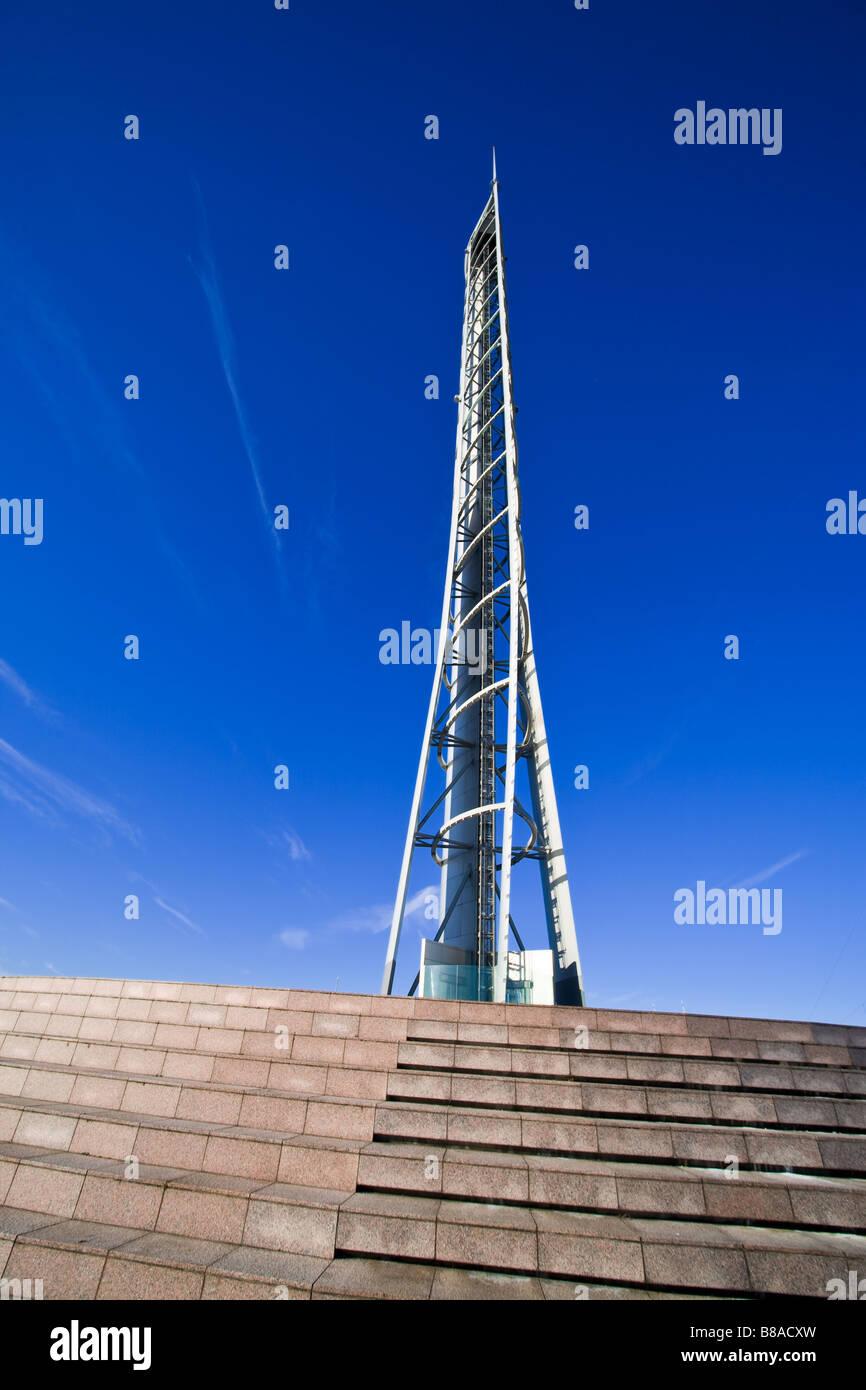 Compte tenu de l'échelle de Glasgow Science Centre Tower Banque D'Images