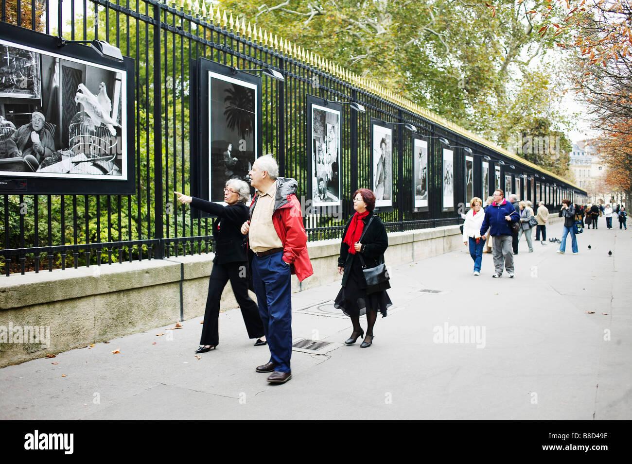 Exposition De Photographies En Plein Air Jardin Du Luxembourg