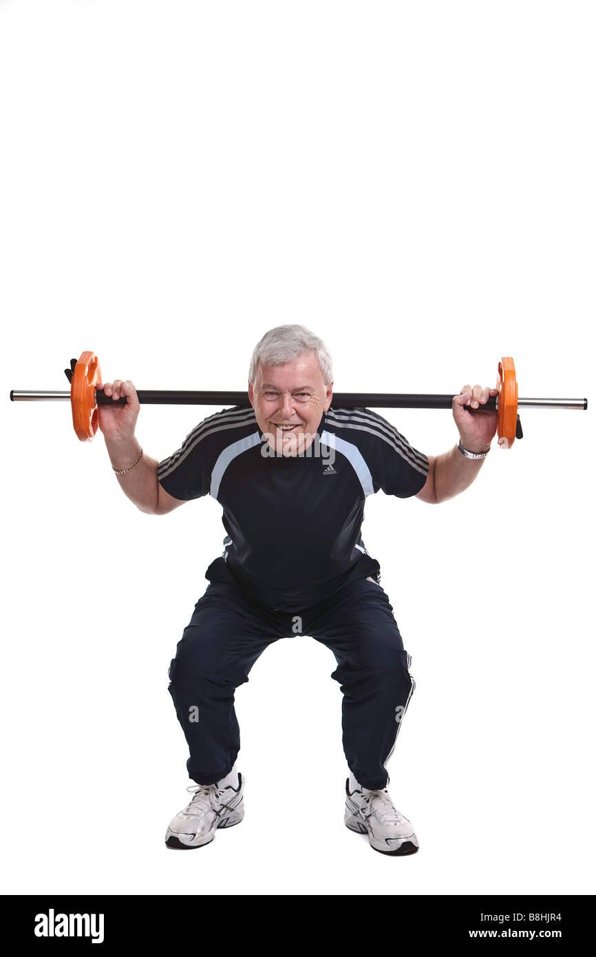 Formation du circuit à 60 ans dans la salle de sport Photo Stock