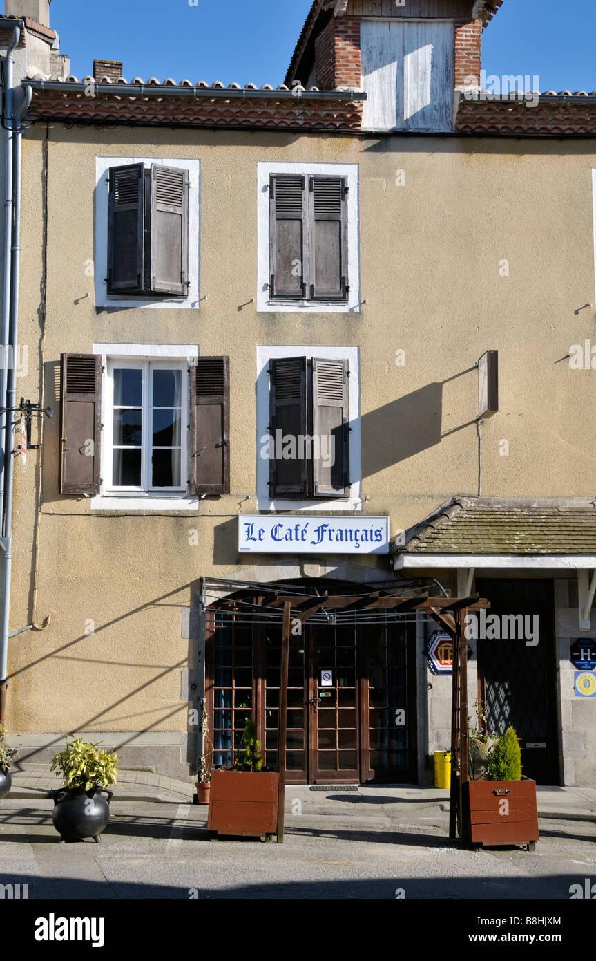 Stock photo du cafe francais au Dorat dans la région de France Photo Stock