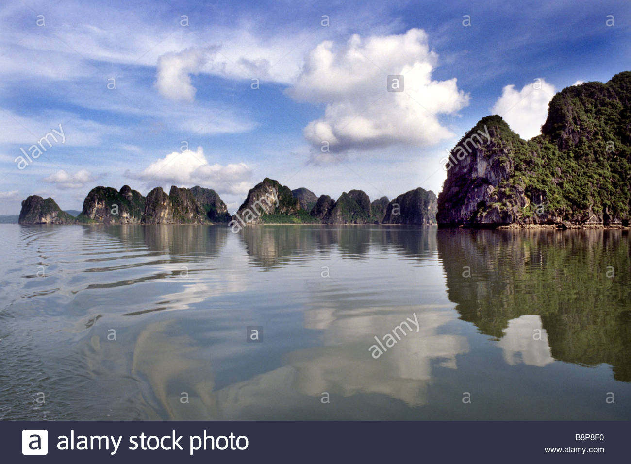 La baie d'Halong, Vietnam, Asie du sud-est Photo Stock