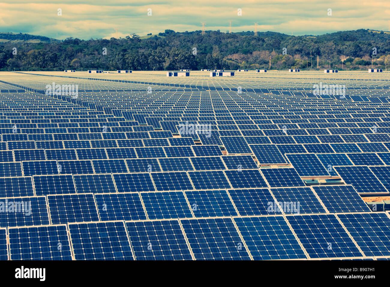 L'énergie solaire près de Guadarranque San Roque la Province de Cádiz Espagne Photo Stock