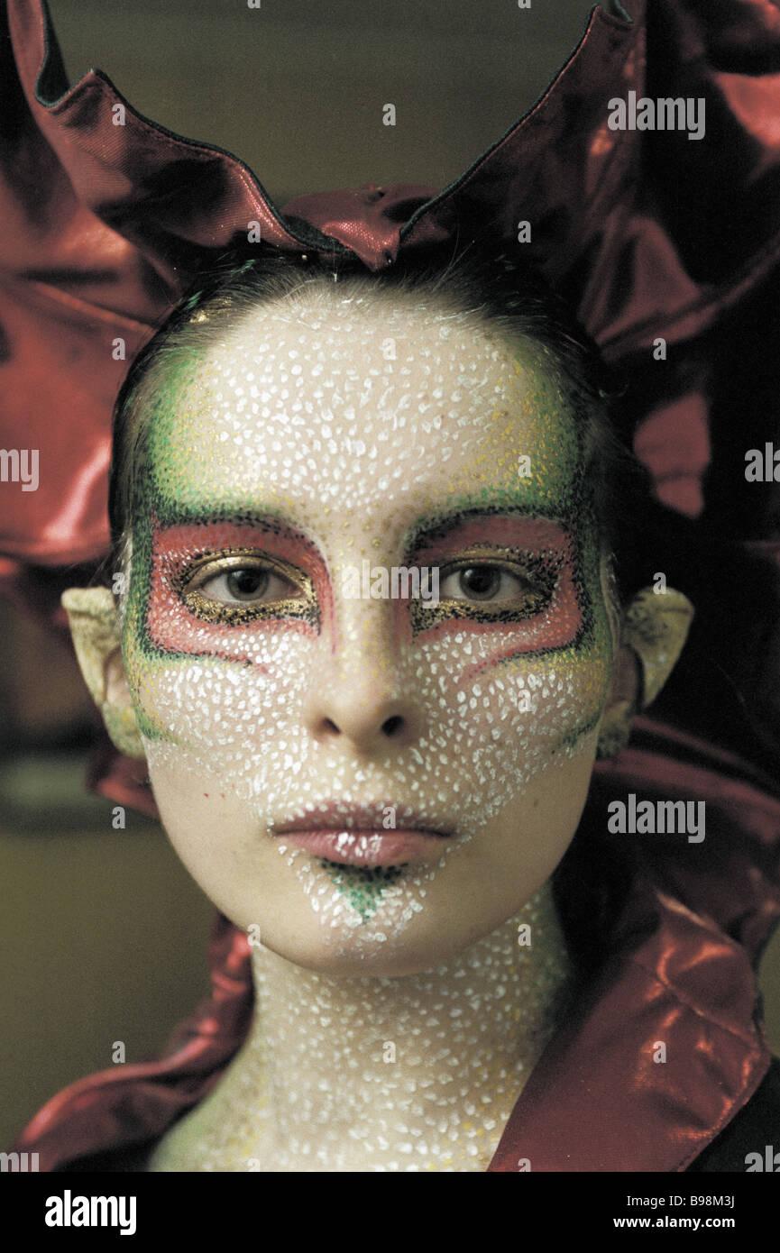 Création d'un dragon d'une femme dans le style d'art de corps par le styliste de premier plan de Photo Stock