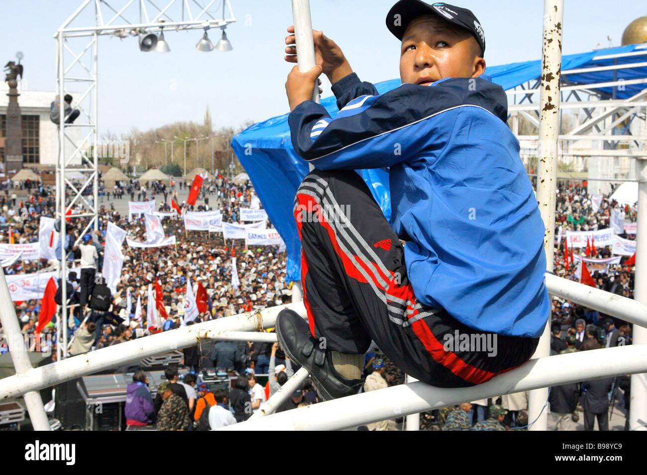Un rassemblement de l'opposition à Bichkek Photo Stock