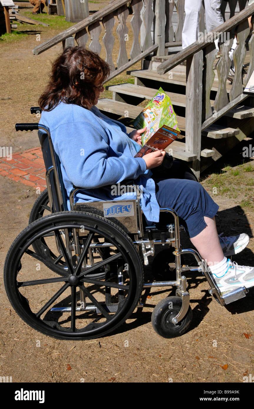 Visiteurs handicapés en fauteuil roulant à Tampa Florida State Fairgrounds Banque D'Images