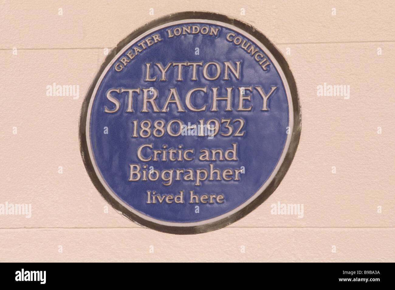 Blue Plaque Lytton Strachey critique et biographe Bloomsbury Group Gordon Square London England UK plaques commémoratives Banque D'Images
