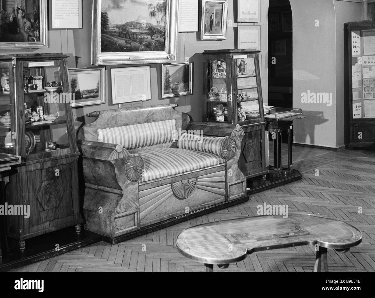 Un canapé en date des années 1920, de la collection du Musée de l'histoire Photo Stock