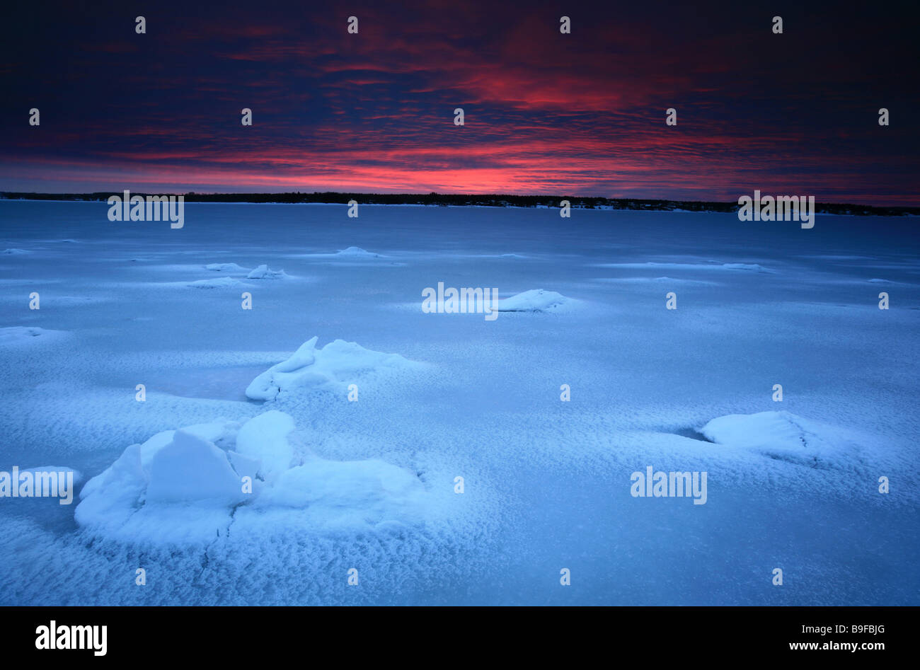 Paysage d'hiver à Kurefjorden à Rygge kommune, Østfold fylke, la Norvège. Photo Stock