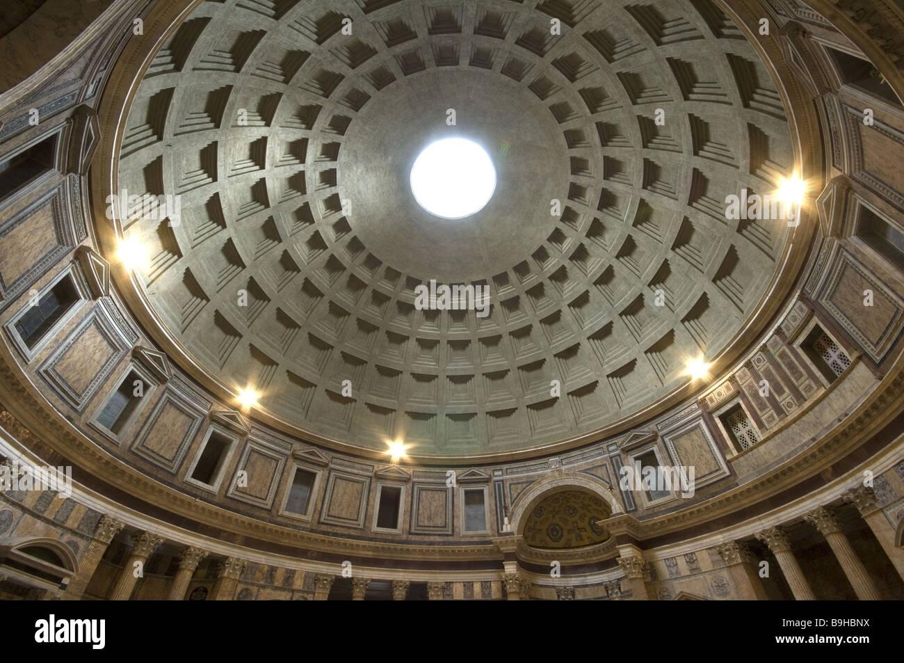Italie Rome Panthéon vue intérieure dome Architecture construction ...