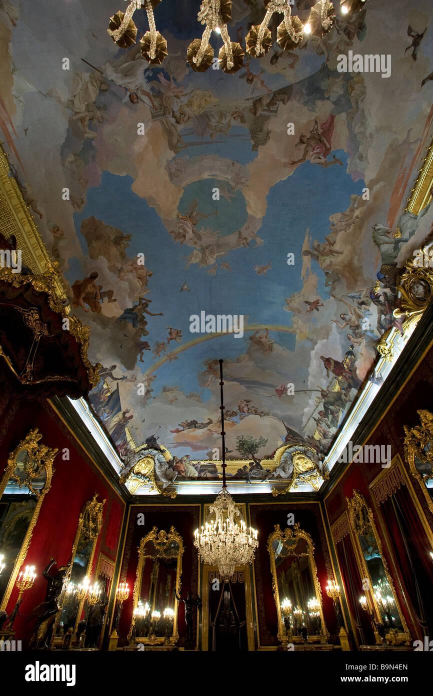 Espagne Madrid Le Palais Royal De Madrid Palacio Real Plafond
