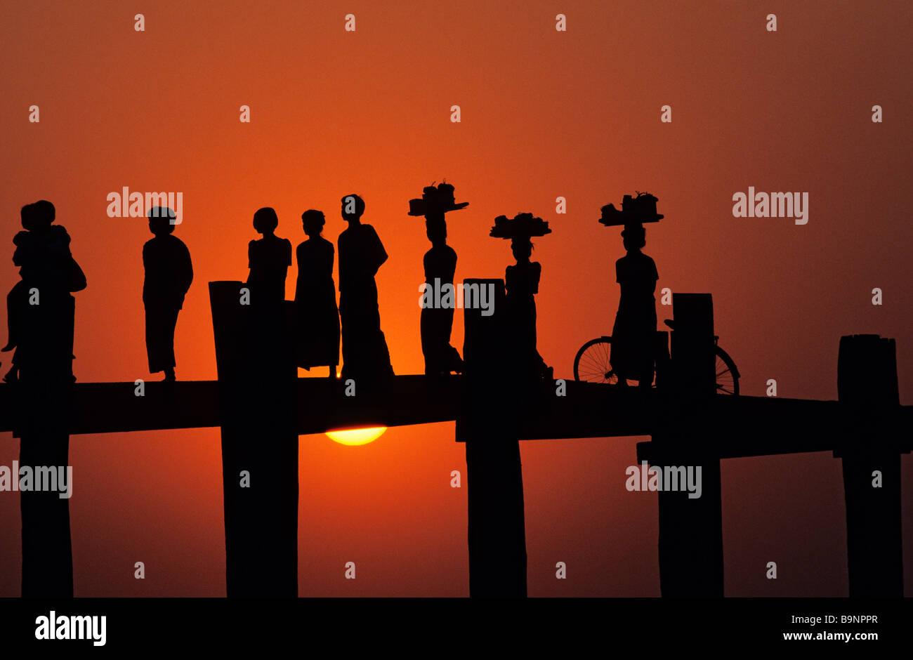 Myanmar (Birmanie), Division de Mandalay, Amarapura vieille ville, pont U Bein Photo Stock