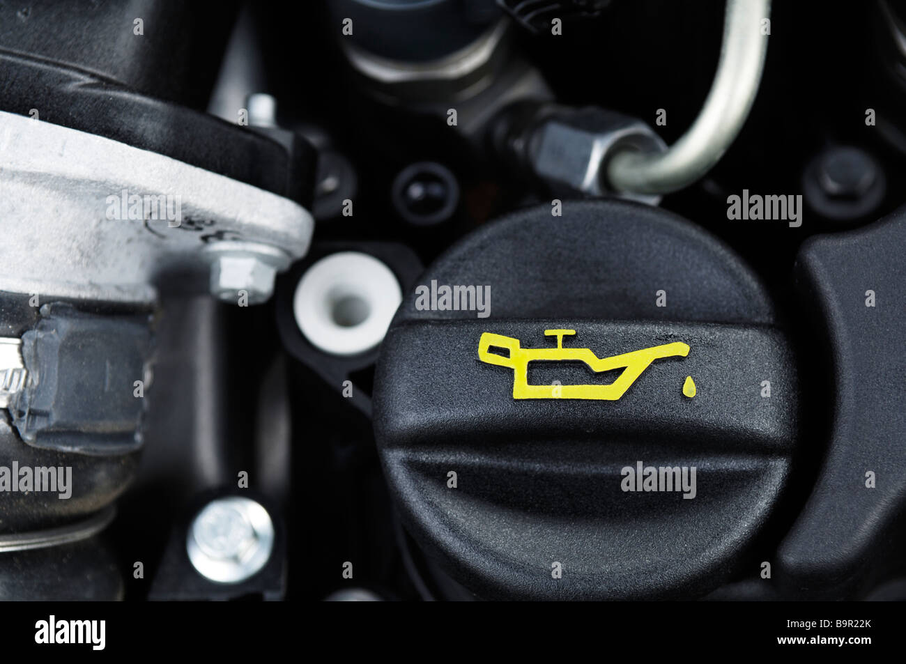 car oil filler cap photos car oil filler cap images alamy. Black Bedroom Furniture Sets. Home Design Ideas