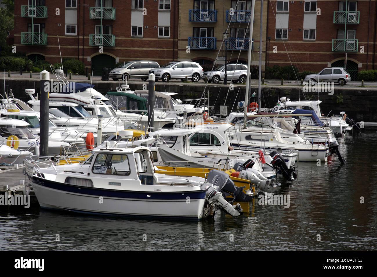 Les bateaux de plaisance amarrés dans le port de plaisance de Swansea Photo Stock
