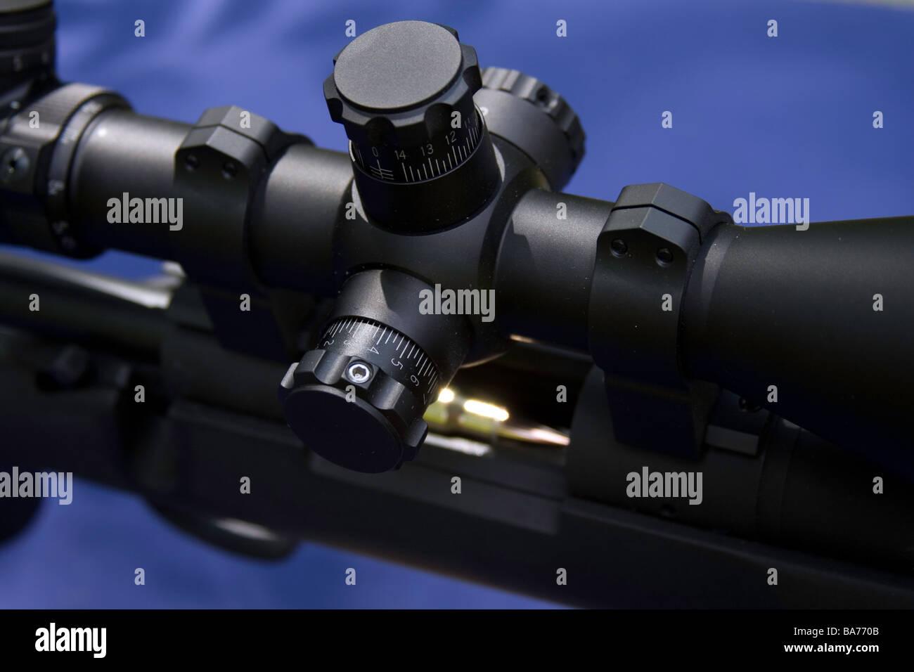 Tactique militaire Police fusil est chargé et prêt pour toute action dans les rues ou d'un pays lointain. Photo Stock