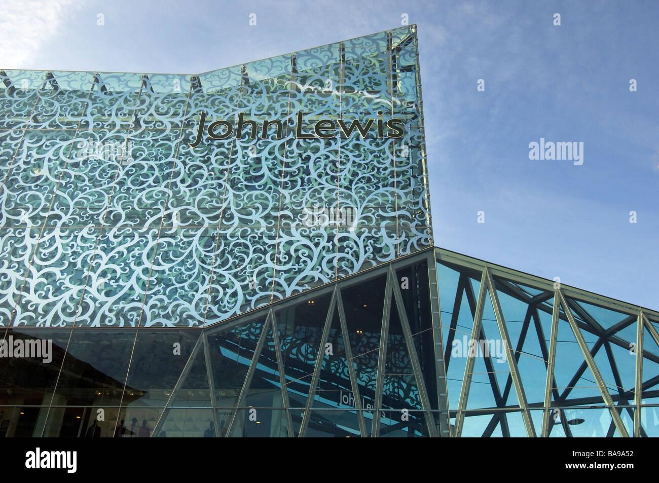 L'étonnante nouvelle de l'architecture moderne à la façade de verre en magasin John Lewis Photo Stock