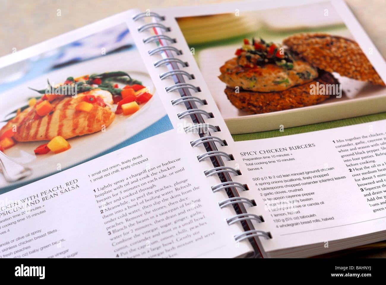 Livre de cuisine ouvert Photo Stock