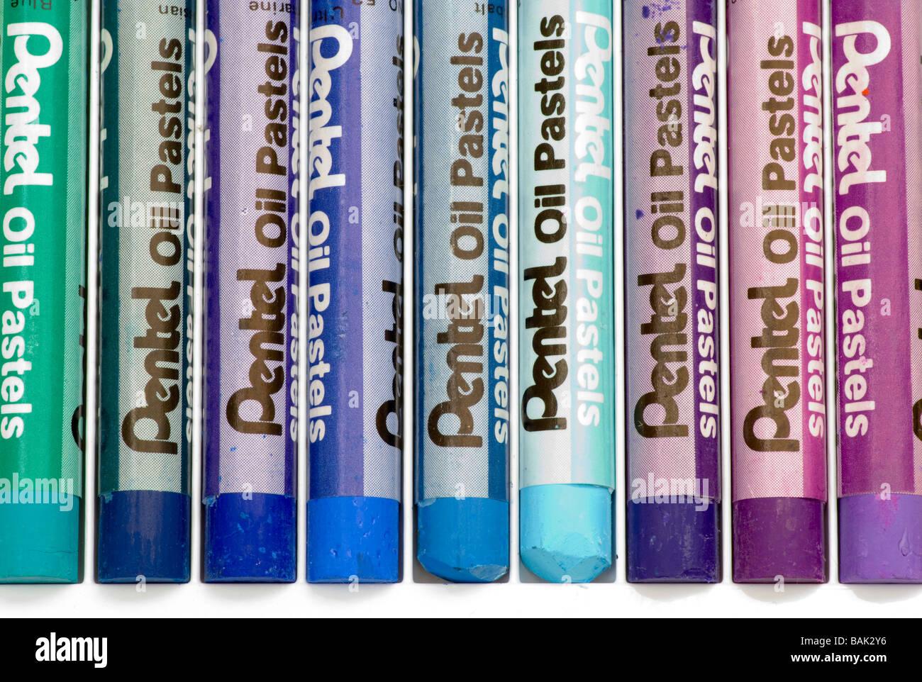 Nuances de couleur bleu pastel Artistes pastels à l'huile Bois Banque D'Images