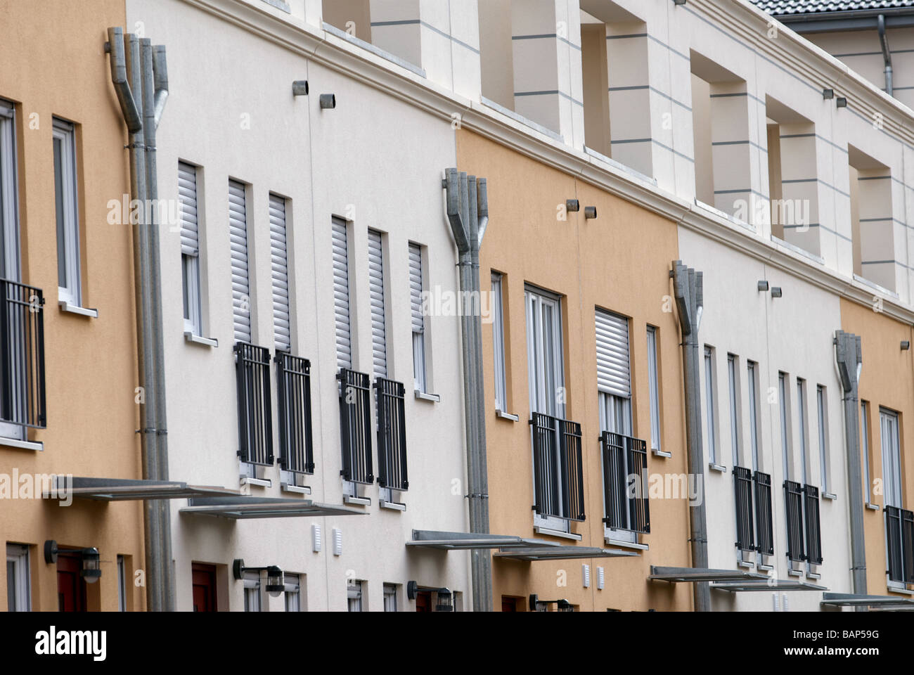 Tout nouveau développement du logement social avec l'énergie géothermique chauffage, Cologne, Photo Stock