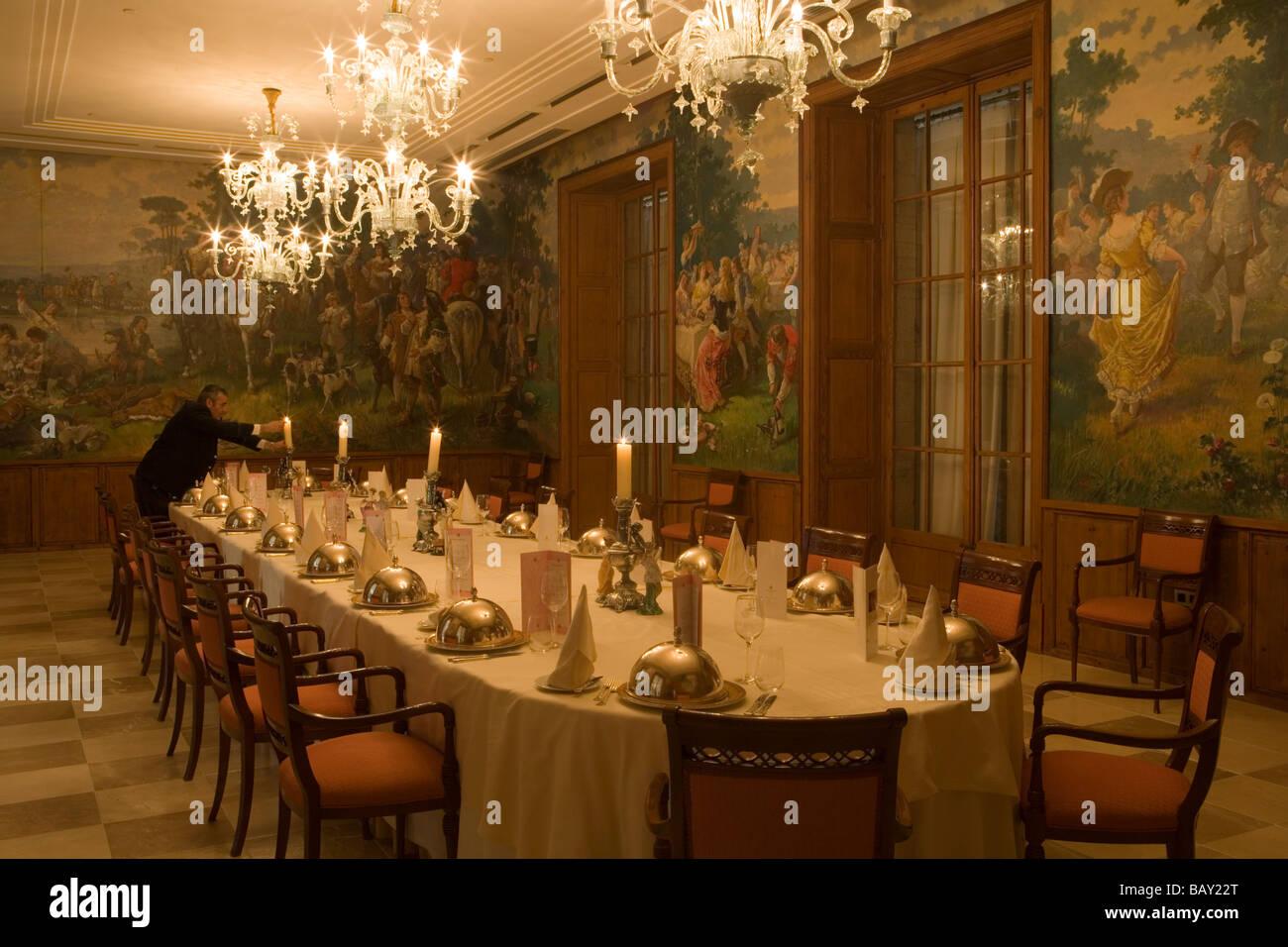 Table à Manger Au Salon Anckermann à Castillo Hotel Son Vida Son