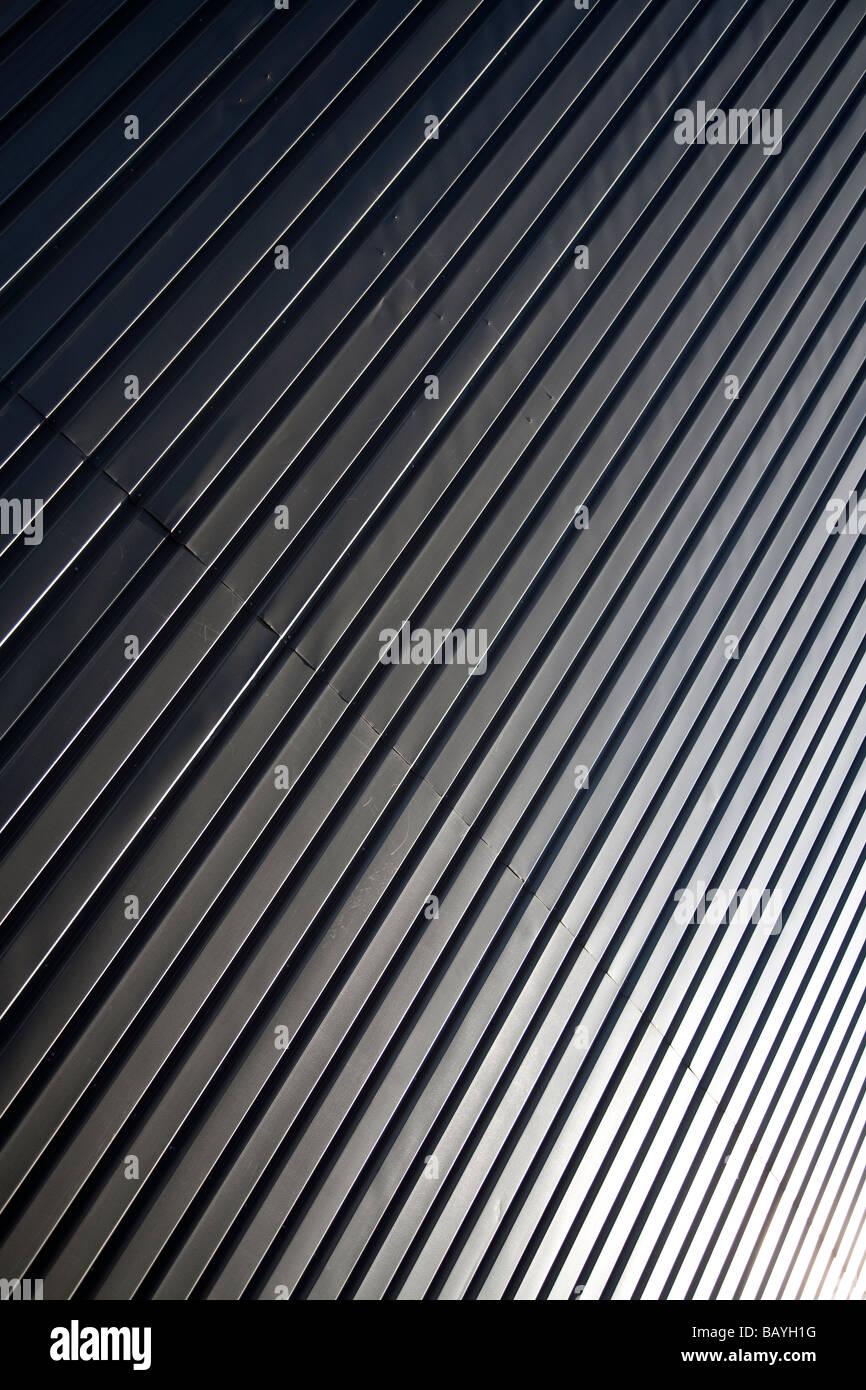 Surface de mur fait de tôles ondulées galvanisées feuilles ( CGI ) Banque D'Images