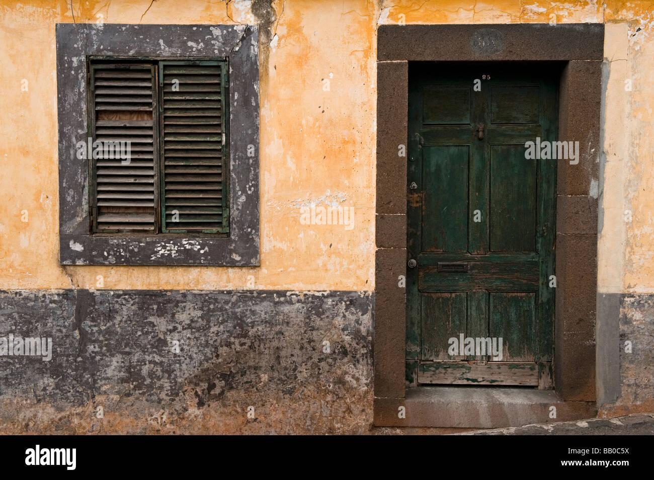 Un vieux bâtiment délabré, à Funchal Photo Stock