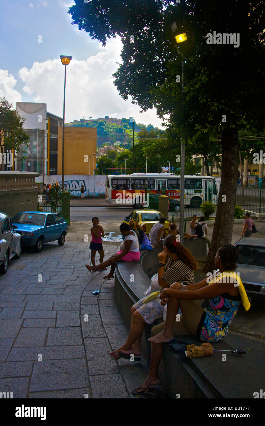 Rue en face de l'église Igreja Santana dans la zone nord de Rio de Janeiro Brésil Photo Stock