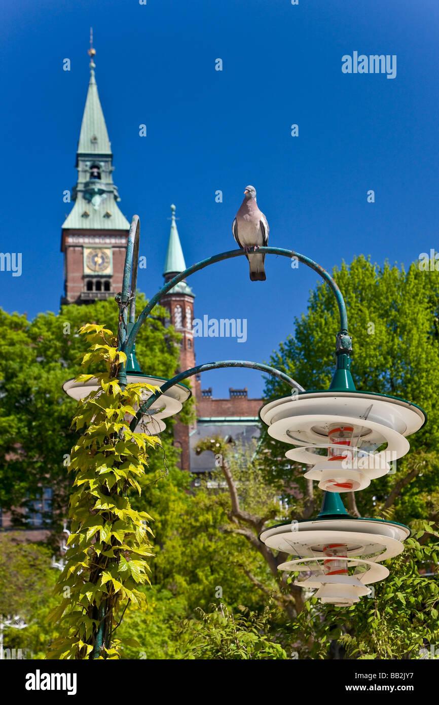 Vue de la tour de la mairie de Copenhague à partir de Tivoli Photo Stock