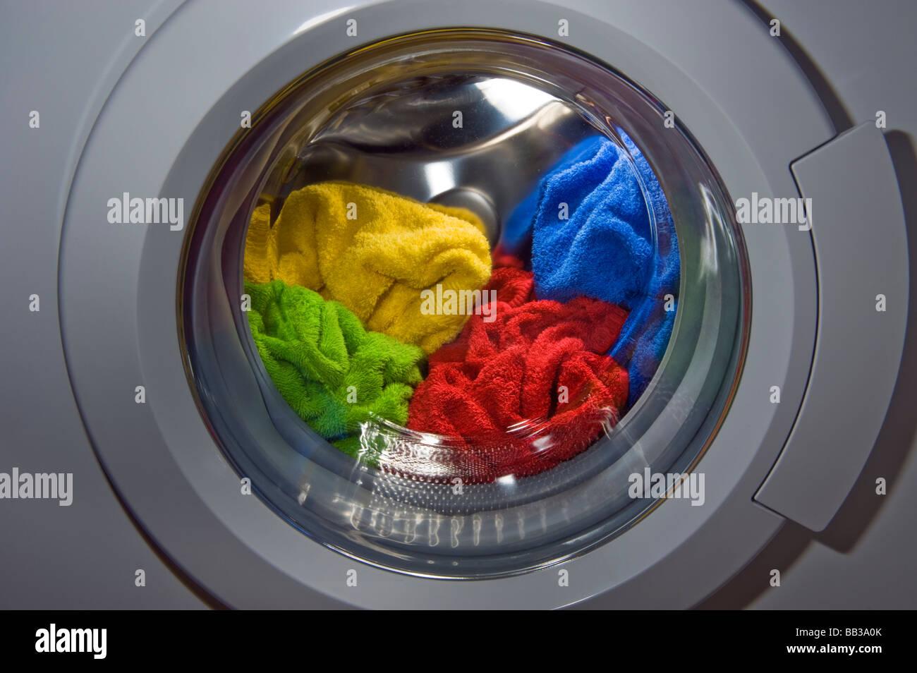 lave linge blanchisserie nettoyage du cycle de lavage de. Black Bedroom Furniture Sets. Home Design Ideas