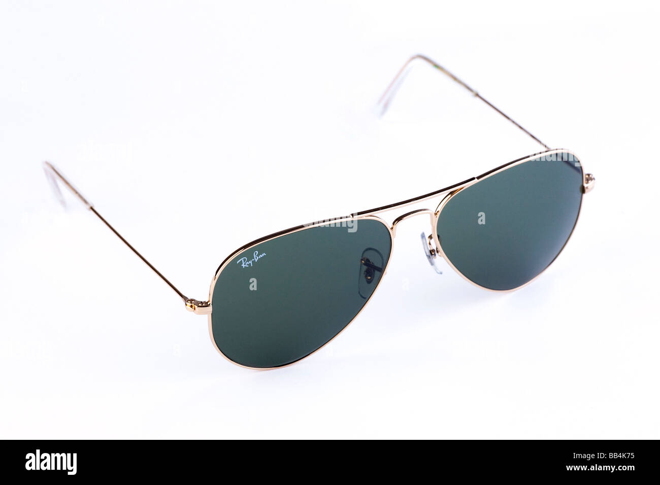bd25ad8534 Ray-Ban Aviator sunglasses Banque D'Images, Photo Stock: 24074489 ...