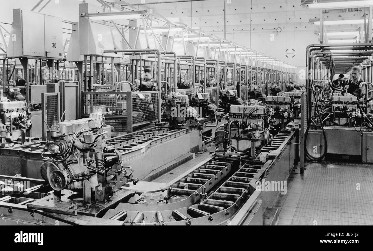 production line at opel factory photos production line at opel factory images alamy. Black Bedroom Furniture Sets. Home Design Ideas