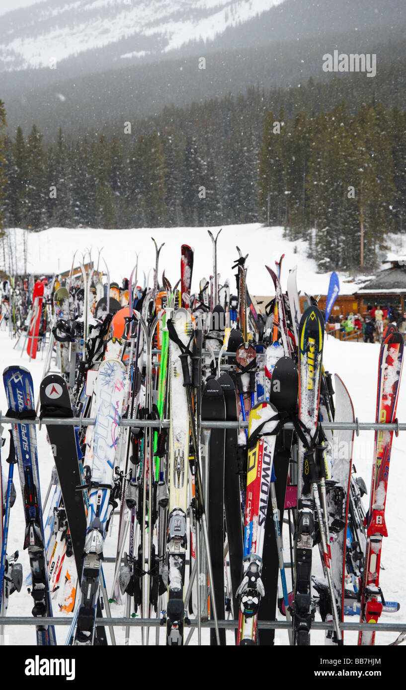 Ski Rack Photos & Ski Rack Images - Alamy