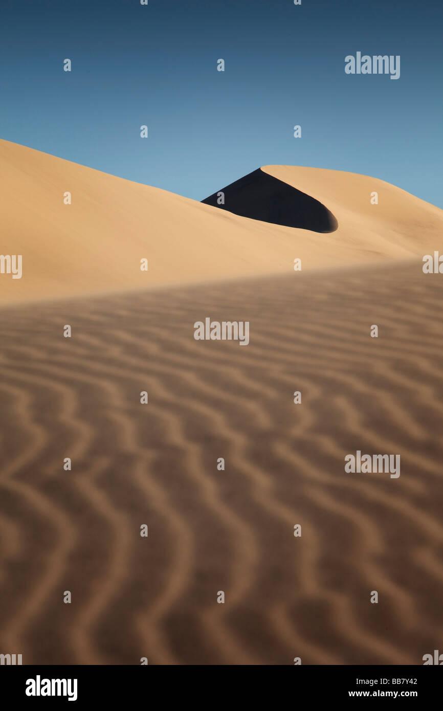 Les patrons de sable sur les Dunes d'Eureka dans Death Valley National Park en Californie USA Photo Stock