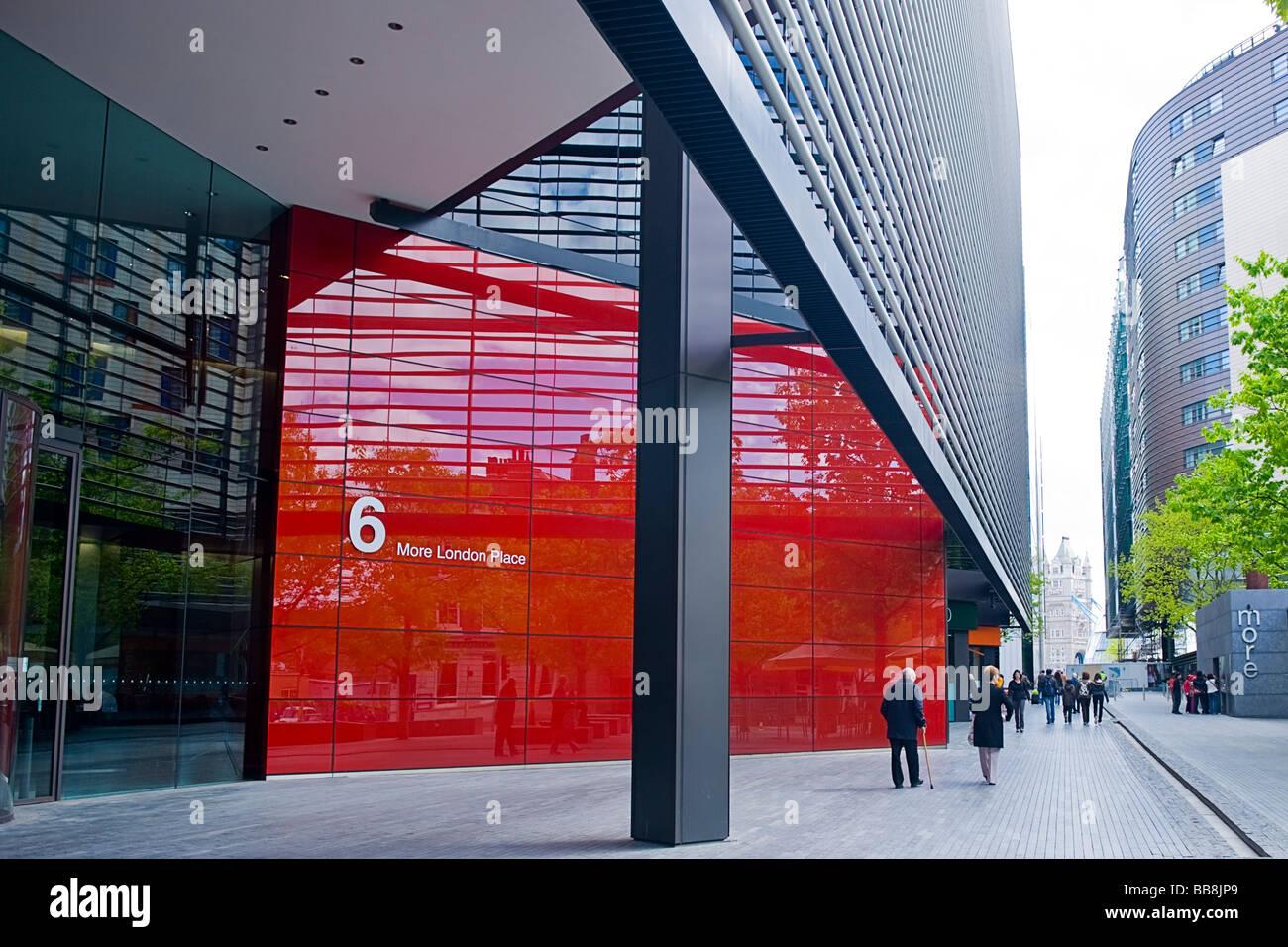6 more london place les blocs de bureau verre contemporain moderne