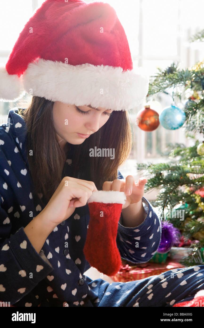 Fille, 14 bas de Noël avec de minuscules Photo Stock