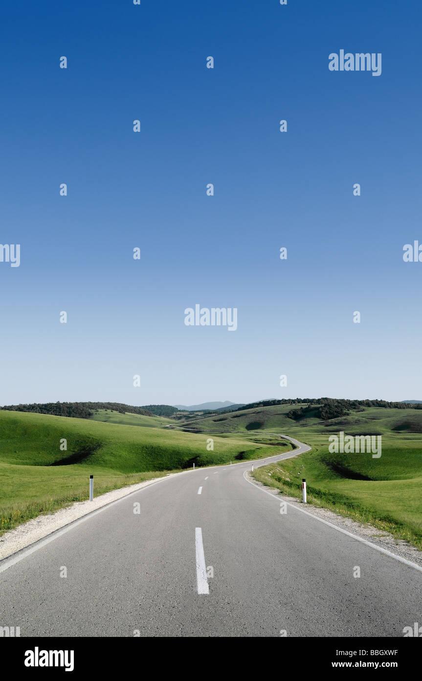 Route à travers les collines de la Bosnie-Herzegovine Photo Stock