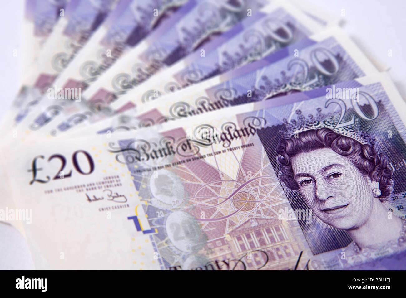 'Vingt livres' 'note' de 20 livres sterling argent ensemble notes monnaie pile Photo Stock
