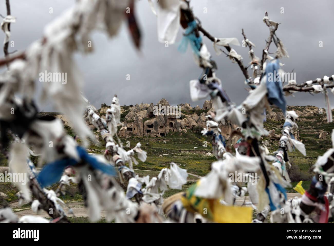 Un instantané de l'arbre des désirs que l'on appelle dans le pays de Cappadoce, Turquie. Banque D'Images