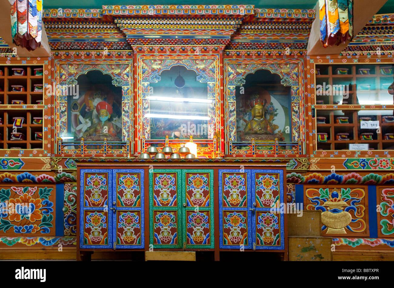Armoires décorées et de culte avec les bouddhas anciens documents, Bibliothèque nationale du Bhoutan Photo Stock