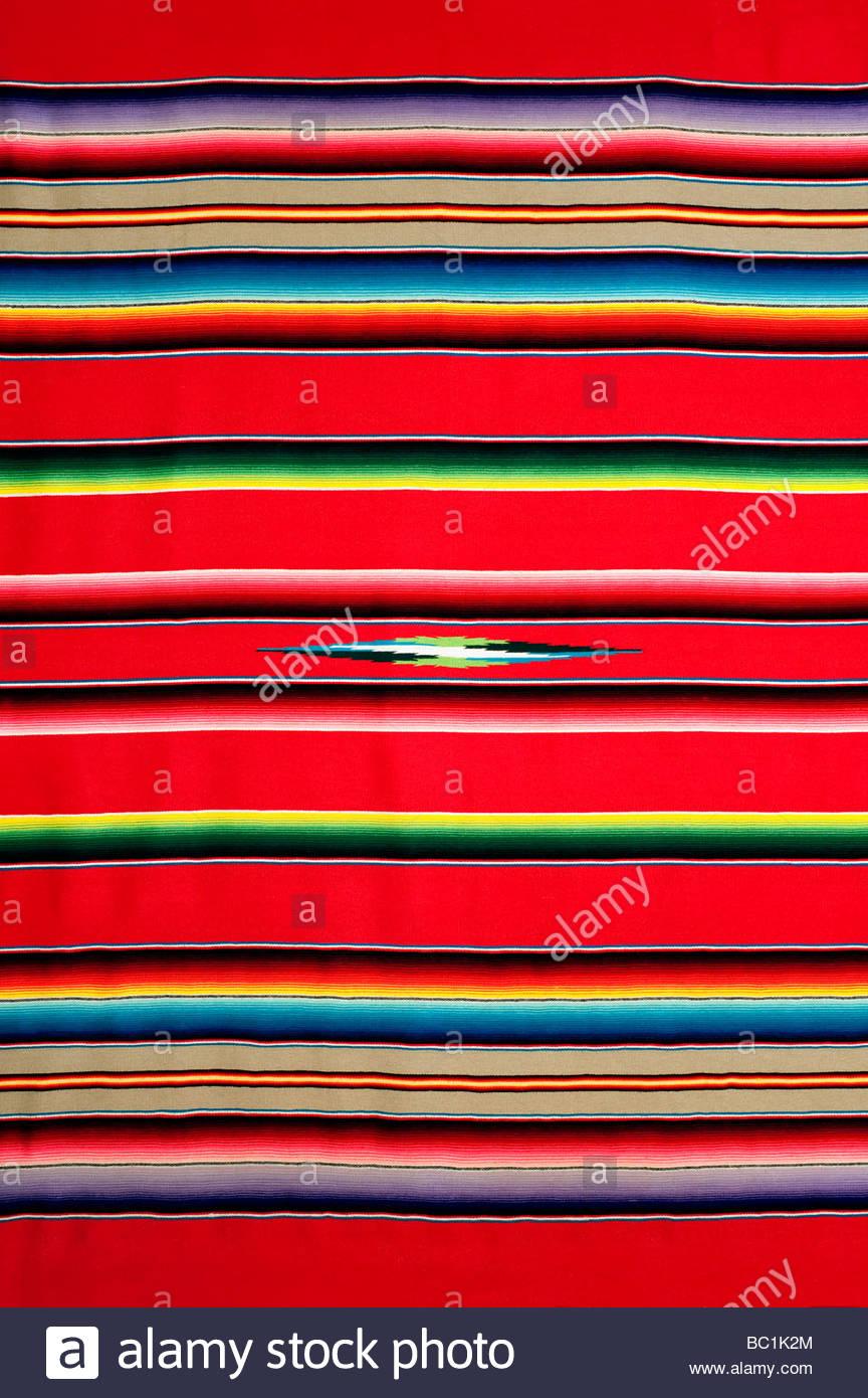 Une couverture mexicaine aux couleurs traditionnelles c'est une version plus ancienne avec une qualité Photo Stock