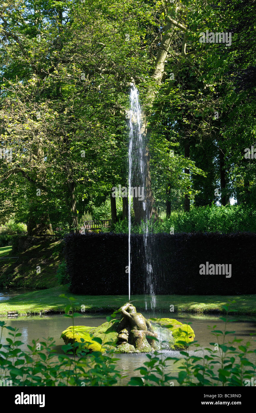Beautiful Fontaine De Jardin Namur Images - House Design ...