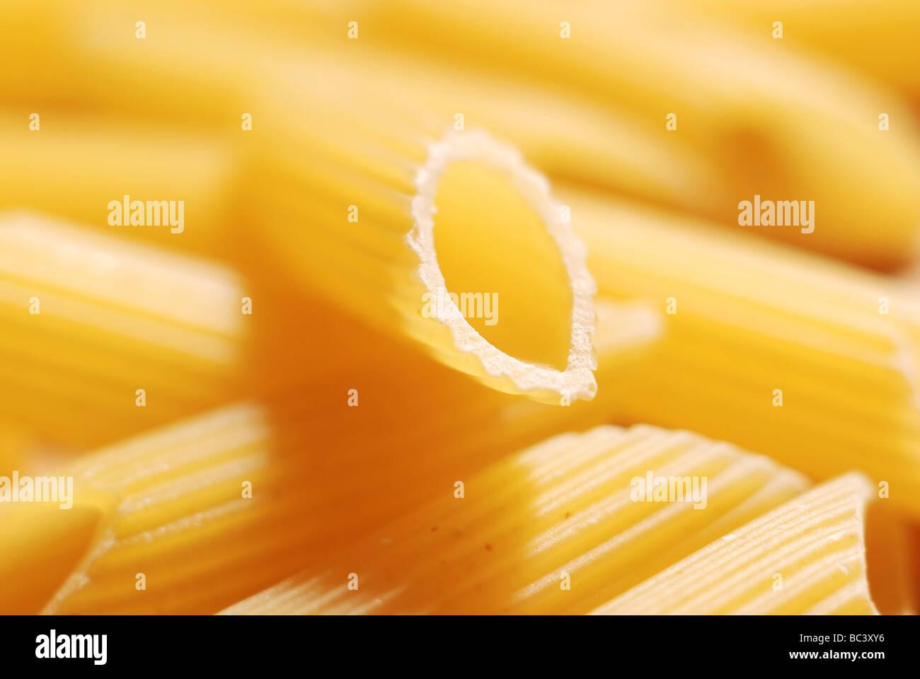 Close up de pâtes alimentaires non cuites Photo Stock