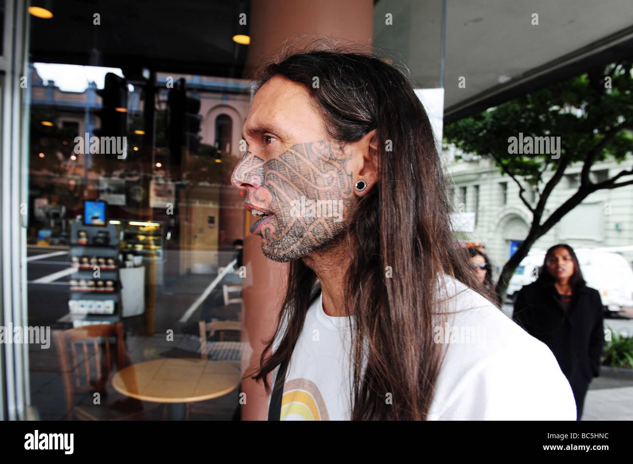 Homme MAORI Maori MOKO - Tatouage BODY ART AUCKLAND NZ Nouvelle-Zélande Photo Stock