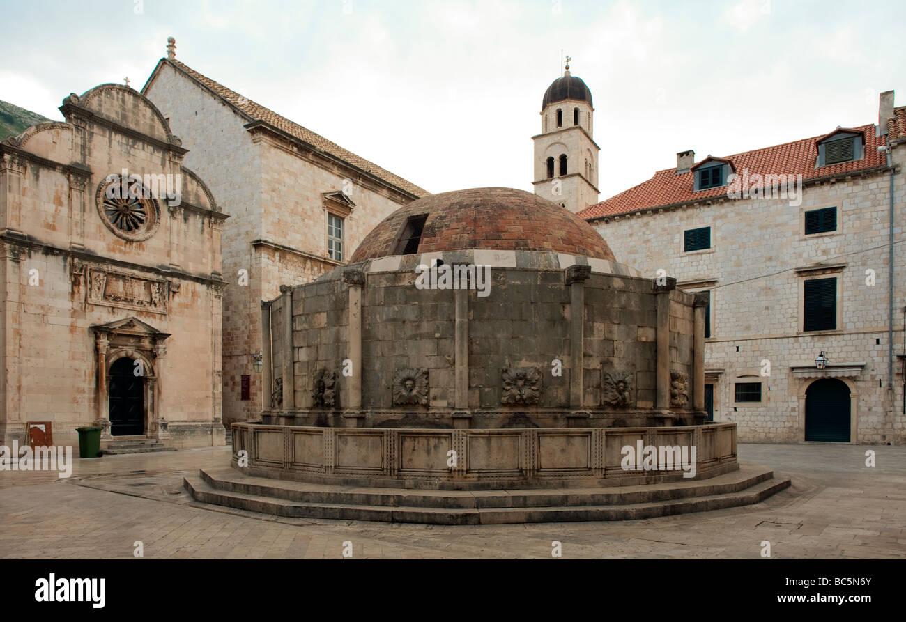 L'église de Saint Sauveur et de la grande fontaine d'Onofrio, Dubrovnik, Croatie Banque D'Images