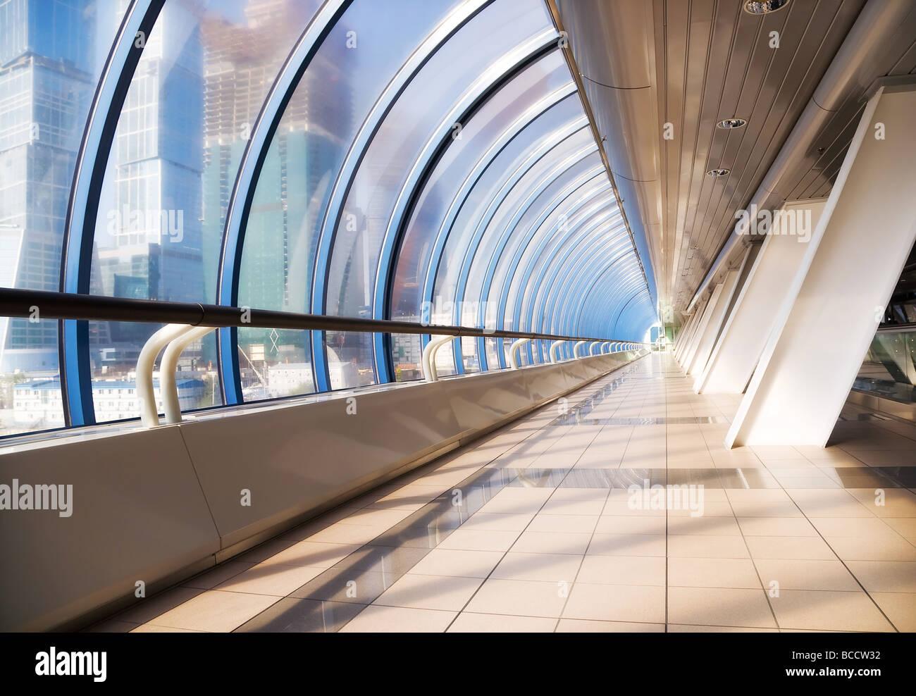 Pont moderne grand angle intérieur Banque D'Images